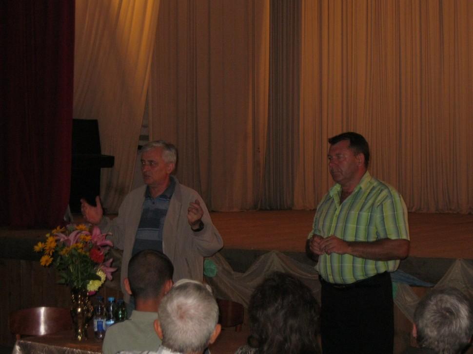 Альбом: 16.07. 2015 року о 14.00 в приміщенні Грушівського клубу відбувся сход громадян села Грушівка.