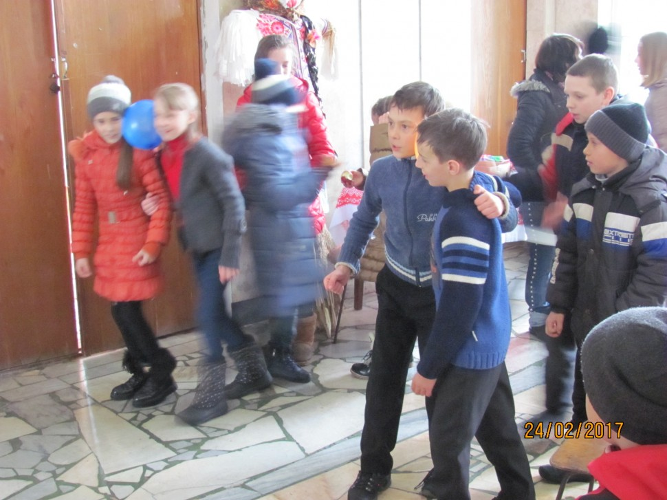 Альбом: 24.02.2017 року  о 15:00 годині, в приміщенні Грушівського сільського клубу відбулося святкування МАСЛЯНОЇ  в якій прийняли участь місцеві дітлахи.